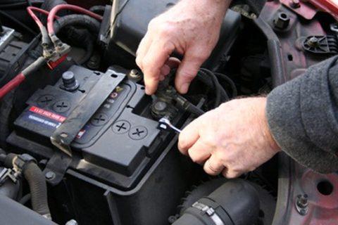 sostituzione-batterie-auto-ciampino